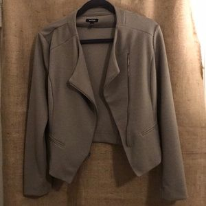 🌷🍁Taupe jacket - lightweight and fabulous 🌷🍁
